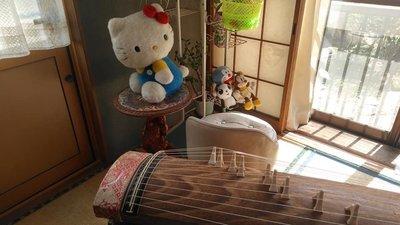 居間で筝曲3.jpg